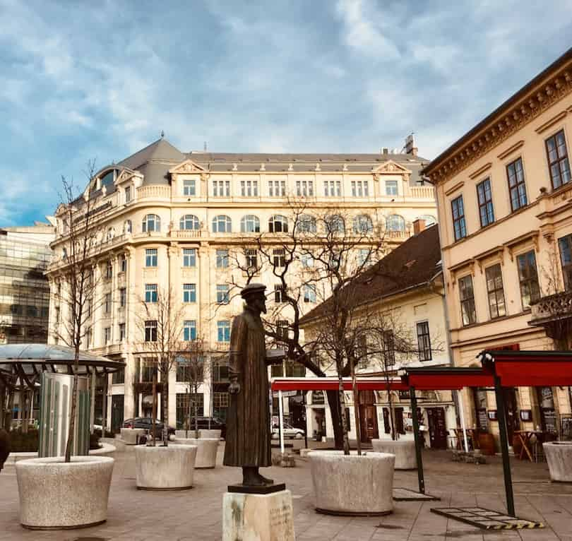 Budapest Neighbourhood Guide-Kálvin square