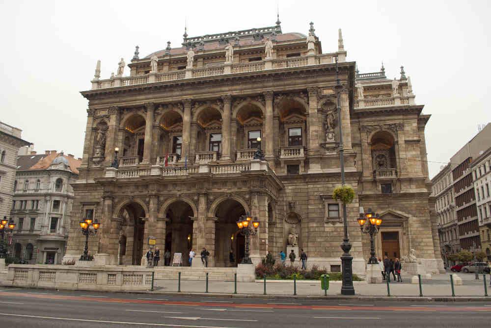 Budapest District VI., Opera