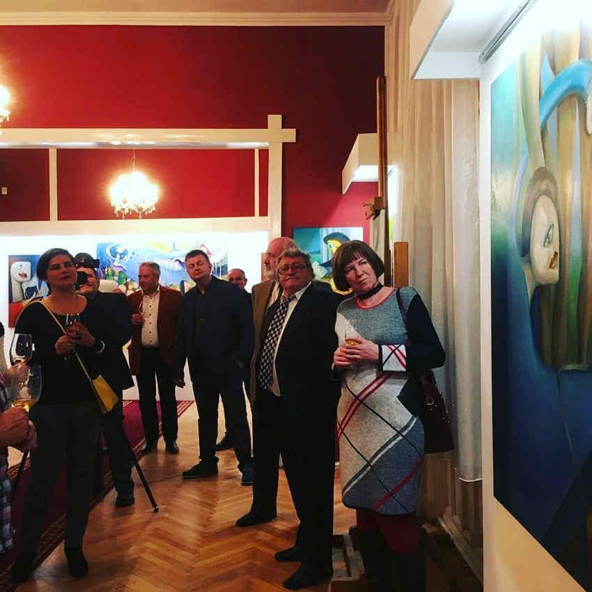 Viktória Hatvany Hungarian artist's exhibition's admirers