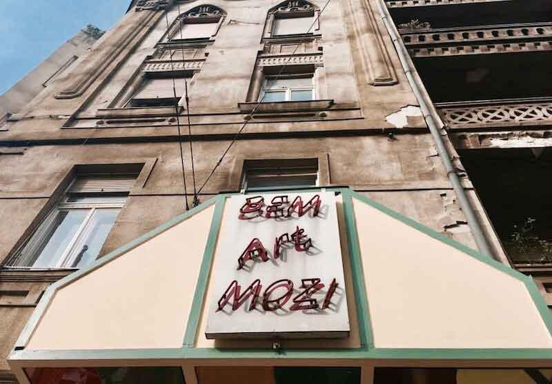 Expat Press Neighbourhood Guide - Bem mozi